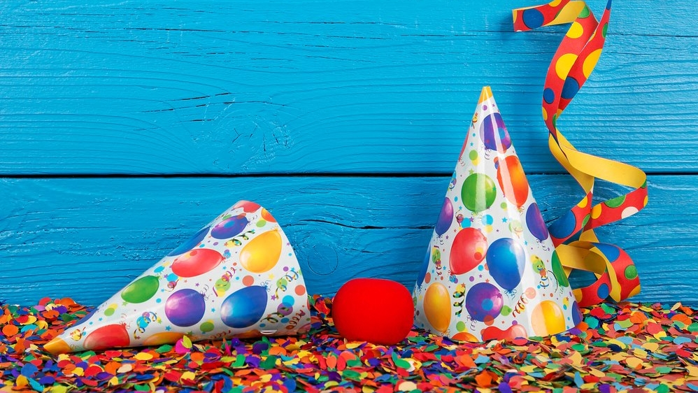 party hats and confetti at paperworld middle east