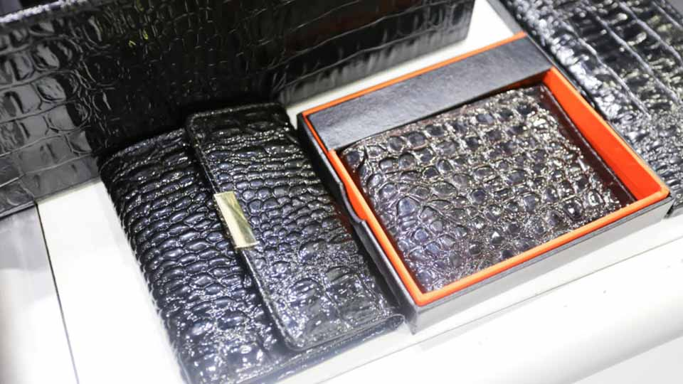 Leatherwrold Middle East Wallets